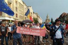 Peste 400 de timişoreni, protest faţă de decizia CCR de revocare a şefei DNA