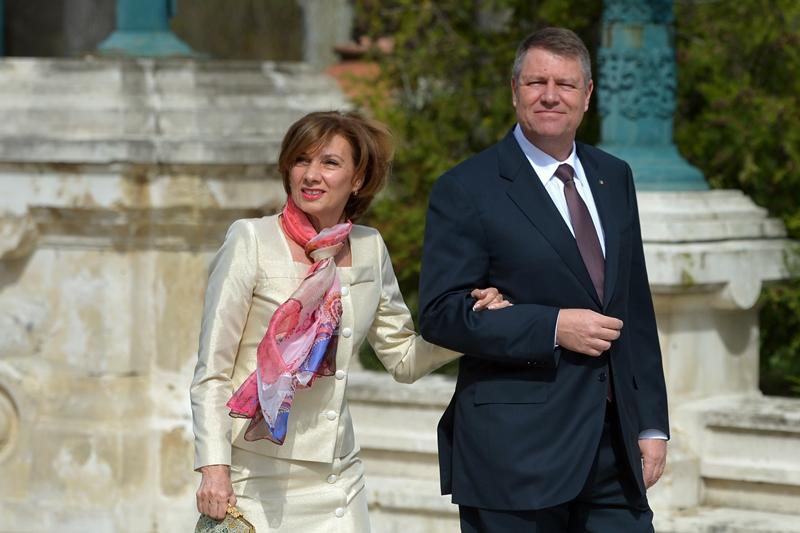 Klaus Iohannis împlineşte astăzi 59 de ani