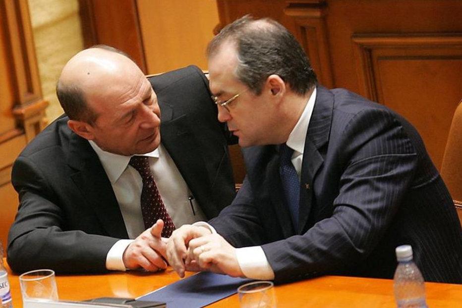 Băsescu face comparaţie între Boc şi Firea: Unul spune ce a făcut, altul ce o să facă