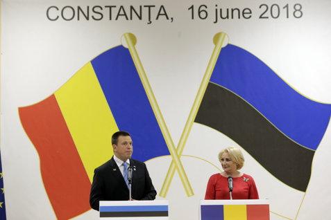 """""""Fără penali"""" şi """"Demisia"""", mesajele pentru premierul Dăncilă, huiduită la Constanţa, la inaugurarea Consulatului Onorific al Estoniei"""