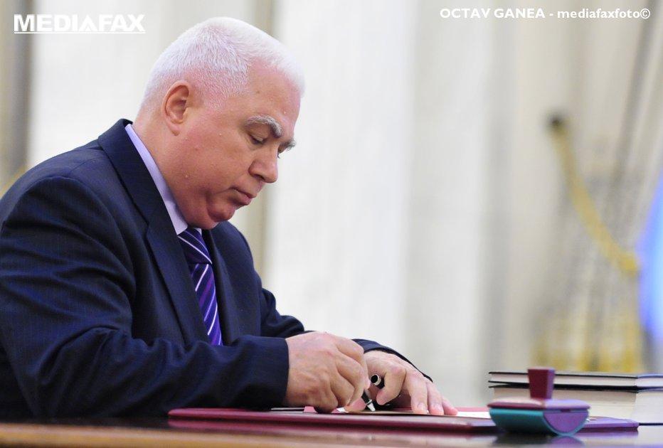 Judecătorul CCR Petre Lăzăroiu va sesiza Comisia de la Veneţia
