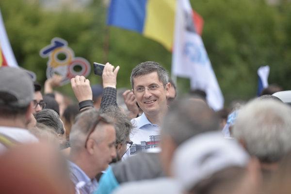 Dan Barna, în Parcul Izvor, înaintea moțiunii