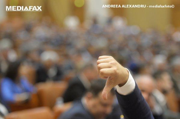 Gest în Parlament