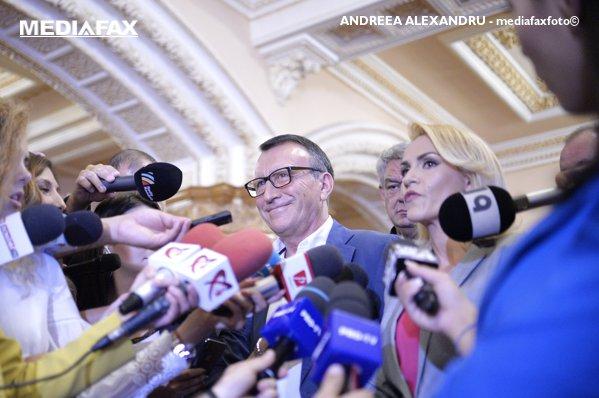 Paul Stănescu şi Gabriela Firea, înaintea şedinţei CEx al PSD
