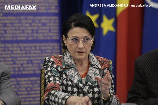 ecaterina andronescu propunerea guvernului pentru ministerul educaţiei