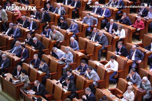 Acuzaţii grave: Pesediştii mai au puţin şi cheamă SPP-ul să dea afară senatorii ALDE cu forţa