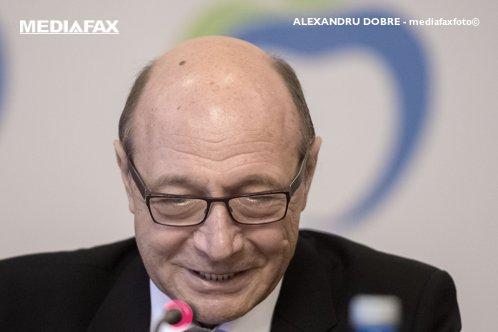 Dialog între Ministrul Muncii şi Băsescu. Budăi: Nu e nevoie de autostrăzi? / Băsescu: Prezentare metafizică