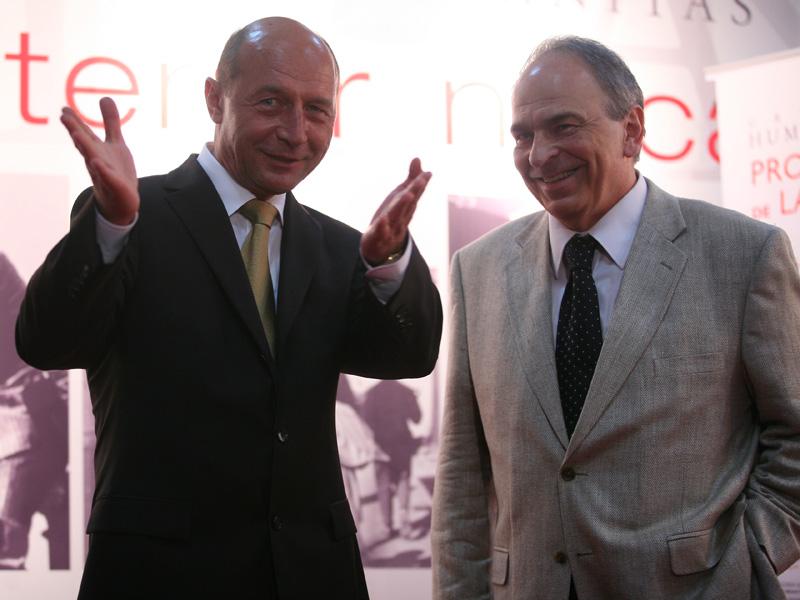 """Tinichigiu şi filosof. Băsescu, mărturisiri necenzurate către Liiceanu: """"Şcoala scoate tâmpiţi"""""""