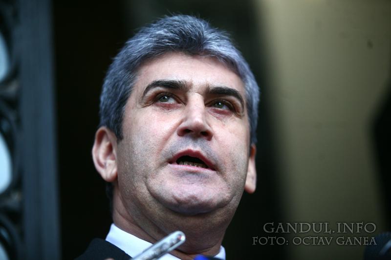 Gabriel Oprea vrea să-şi facă un partid: Uniunea Naţională pentru Progresul României.