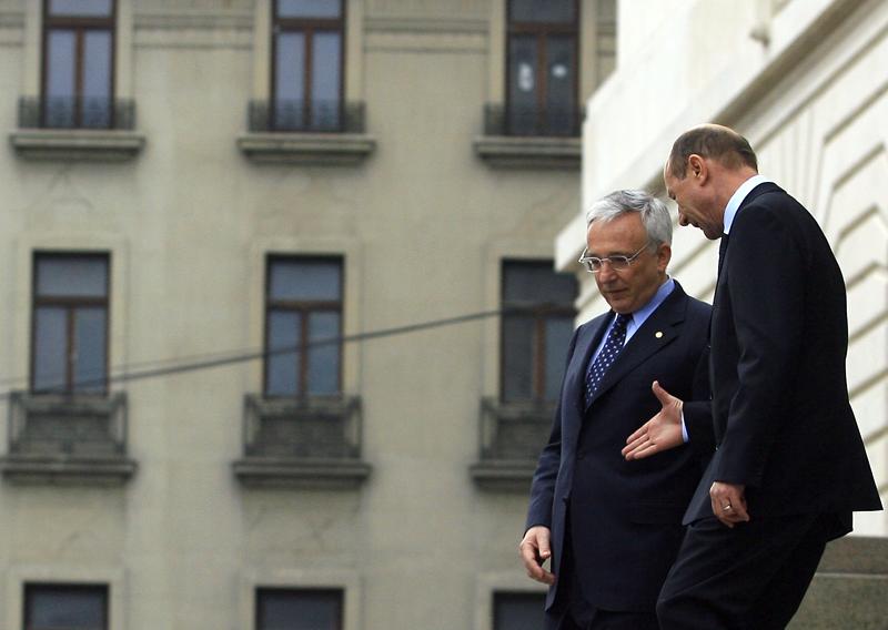 EXCLUSIV Băsescu îl vrea premier pe Isărescu. Ce miniştri din Cabinetul Boc  ar vrea PD-L să păstreze într-un viitor Guvern