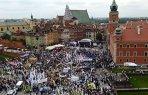 """Peste 100.000 de persoane au manifestat la Varşovia împotriva guvernului: """"Am devenit sclavi în propria noastră ţară!"""""""