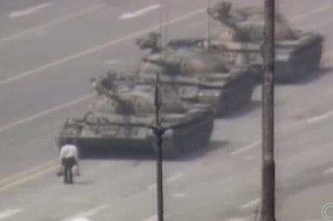 25 de ani de la Piaţa Tiananmen. Liderul studenţilor a aflat de la un fost oficial de ce SUA nu a invervenit: