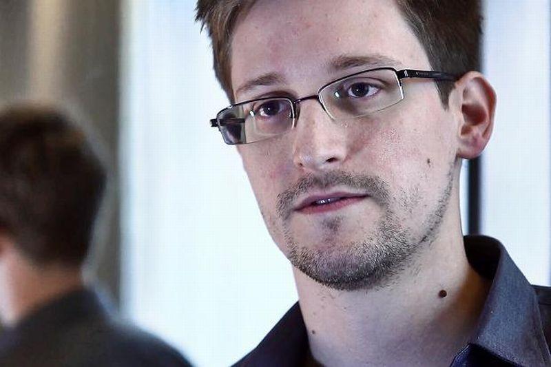 Ziarul care vrea să obţină AZIL pentru Edward Snowden