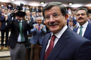 Noul premier turc promite pacea cu kurzii şi aderarea Turciei la UE