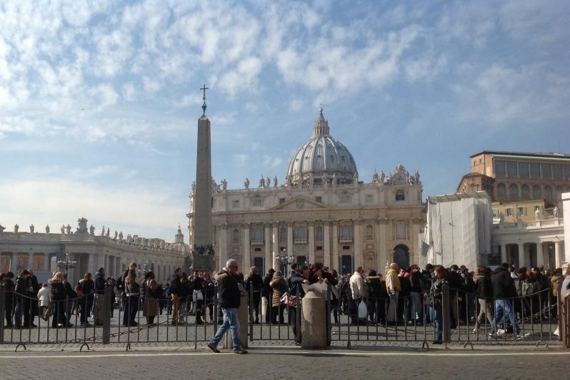 Cocaina si canabis, �ntr-o masina diplomatica a Vaticanului interceptata �n Franta