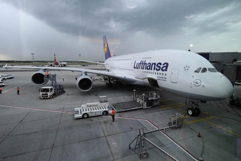 Lufthansa anunta o noua GREVĂ marti