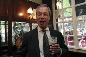 """""""Mulţumim, Nigel Farage"""". Efectul neaşteptat al popularităţii eurofobilor din UKIP"""