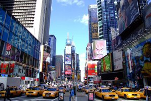 Atac asupra unor poliţişti din New York. Agresorul a fost împuşcat