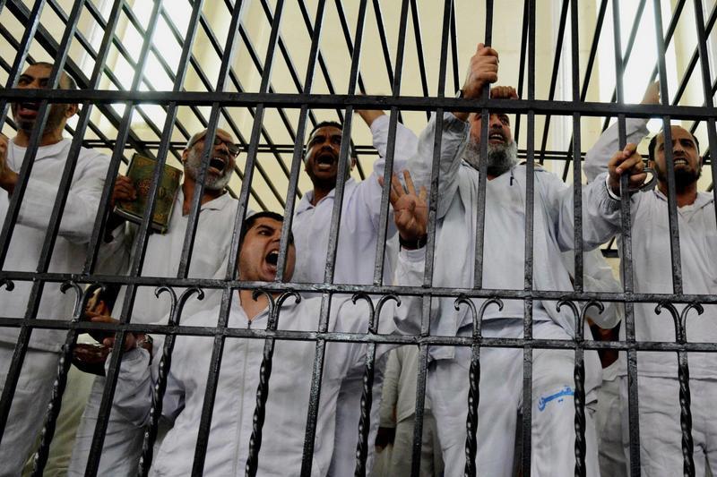 """Zeci de minori ar fi fost condamnati la �nchisoare �n Egipt. ONU: """"Este o actiune fara precedent �n istoria recenta"""""""