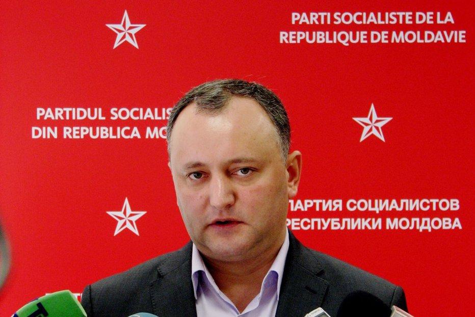 Cine este Igor Dodon, cel care a obţinut cele mai multe voturi la alegerile din R. Moldova