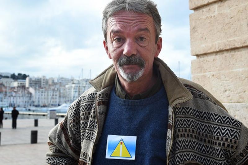 """Scandal în oraşul francez Marsilia. Oamenii străzii, obligaţi să poarte """"însemne"""" care amintesc de nazism"""