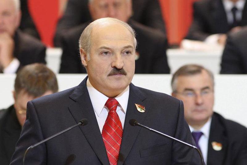 Presedintele din Belarus denunta suplimentarea fortelor NATO la frontiera sa, avertiz�nd ca poate riposta