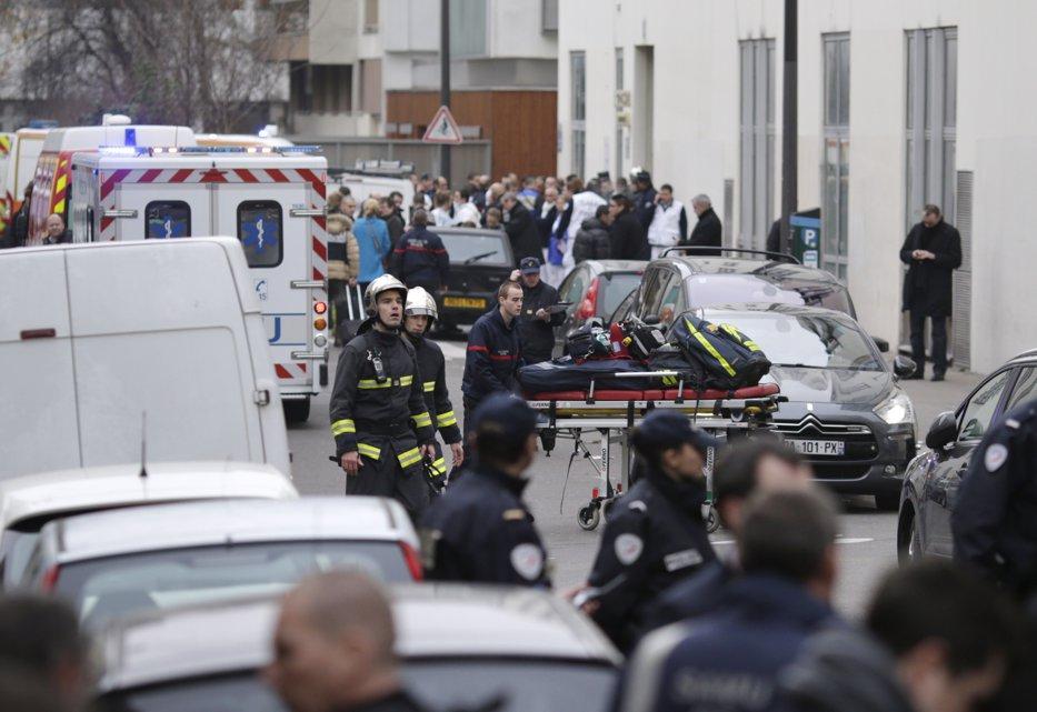 ATENTAT ÎN FRANŢA. 12 morţi în atacul de la Charlie Hebdo. LIVE