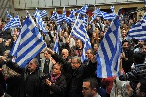 """SONDAJ: Ce imagine au grecii despre ei înşişi: """"cei mai muncitori"""" şi """"cei mai de încredere"""" din Europa. PLUS: Cum ne văd italienii"""