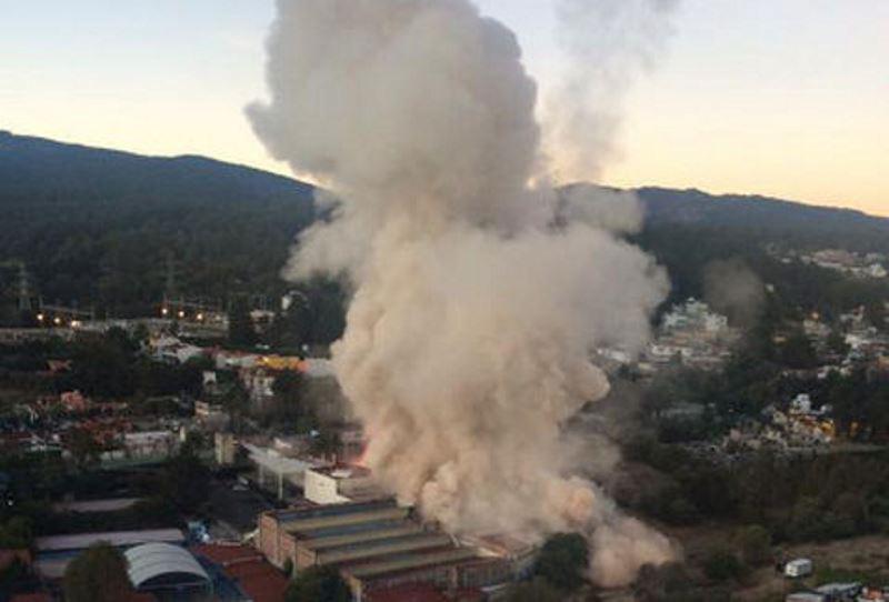 O cisterna cu gaz a sarit �n aer �n curtea unei maternitati din Ciudad de Mexico: sapte oameni au murit. Spitalul este gata sa se prabuseasca