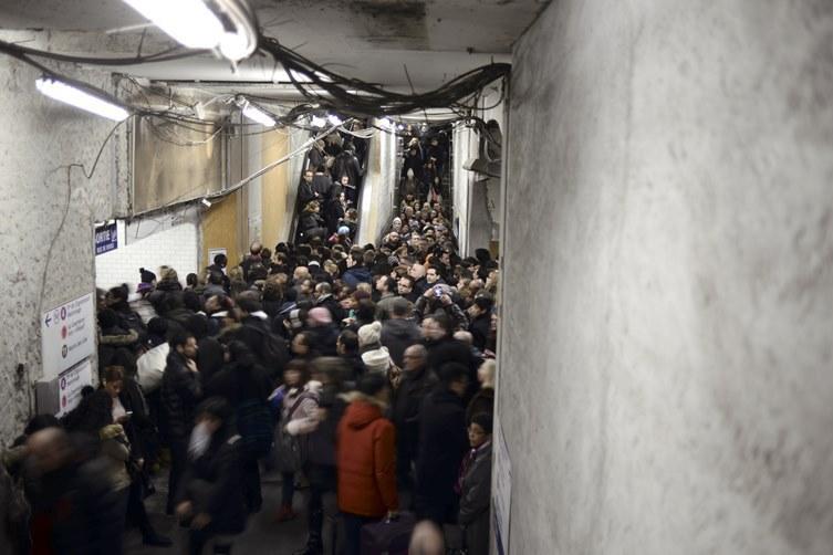 Greva spontana a personalului feroviar, la Paris. Peste 1,2 milioane de calatori au avut de suferit