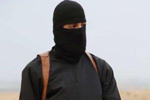 """""""Tatăl lui John Jihadistul"""" s-a mai uitat o dată pe toate înregistrările în care CRIMINALUL îşi execută victimele nevinovate. A avut o reacţie surprinzătoare"""