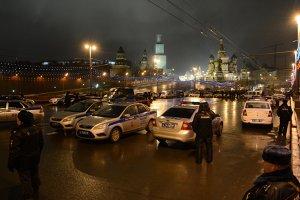 """Presupuşii asasini ai lui Boris Nemţov au fost fotografiaţi: """"Putem deja să afirmăm că aceste persoane sunt originare din sudul Rusiei"""""""