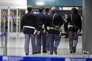 DOCUMENTUL CONFIDENŢIAL care arată cum sunt identificaţi teroriştii în SUA. Lista comportamentelor considerate suspecte într-un avion