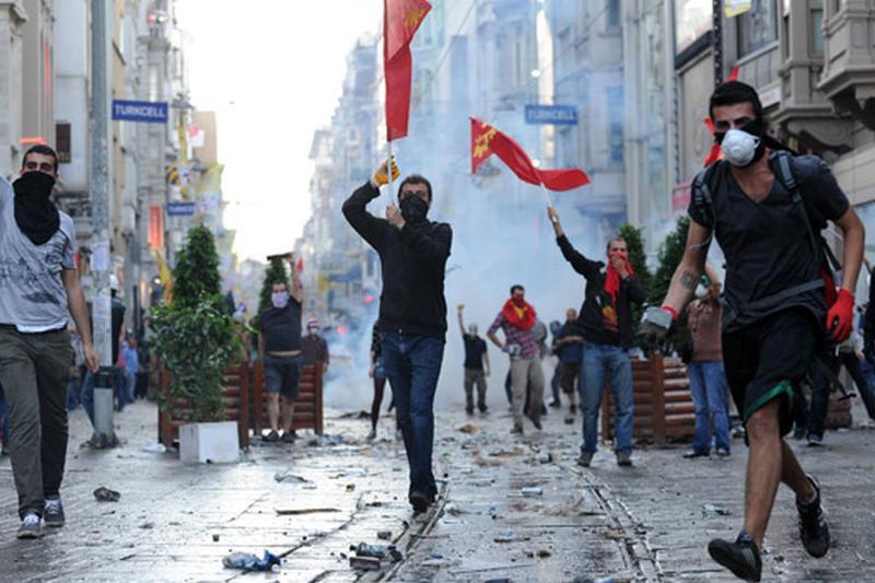 Recentul oasepete al românilor, Recep Erdogan, vrea ordine şi disciplină în ţara lui. Ce vor păţi cei care vor purta aşa ceva în Turcia