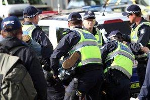 Atac terorist dejucat la Melbourne. Poliţiştii au avut o surpriză când au văzut cine era în spatele planului