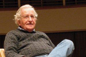Intelectualul american Noam Chomsky: SUA, principalul stat terorist. Europa, prea laşă