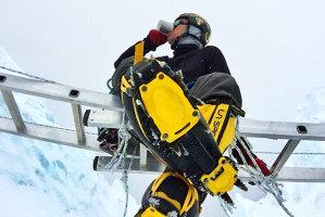 CUTREMUR ÎN NEPAL. Unul dintre managerii Google a murit într-o avalanşă pe Everest