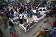Premierul Nepalului: Bilanţul cutremurului ar putea ajunge la 10.000 de morţi