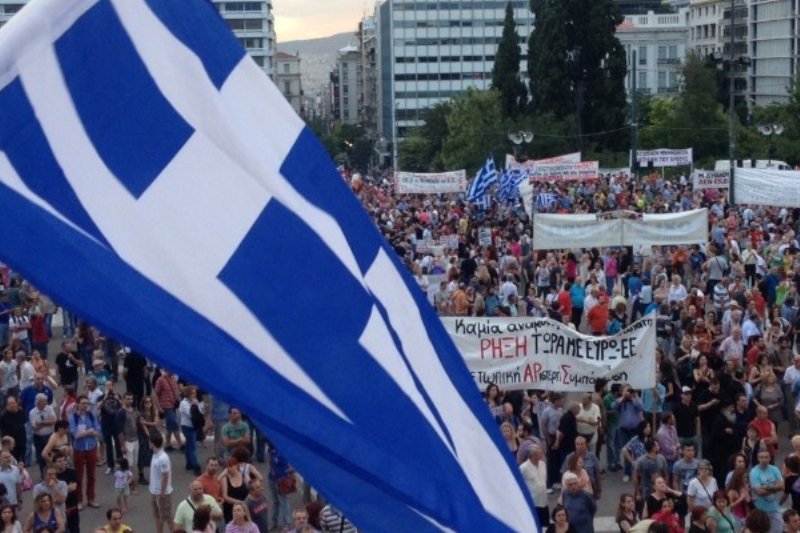 CRIZA DIN GRECIA. Înţelegere între Tsipras şi Merkel, după ce au vorbit la telefon. Grecii au termen până joi să găsească o soluţie. REACŢIA FMI. Tsakalotos, noul ministru de Finanţe