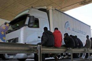 Traficul prin tunelul de sub Canalul Mânecii, perturbat de un protest al imigranţilor