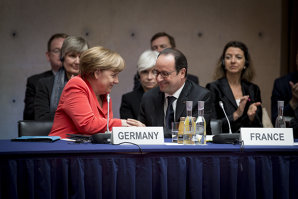 Summit extraordinar marţi, la Bruxelles, la iniţiativa lui Merkel şi Hollande