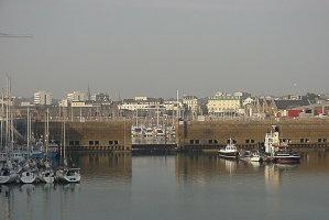 Noi reguli în Insula Jersey, după ce un oficial care trebuia să vină la Bucureşti a ajuns la Budapesta