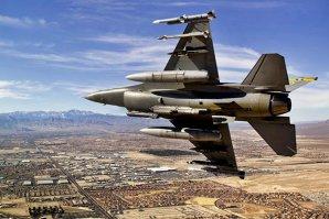 Statele Unite vor oferi susţinere aeriană unor grupuri insurgente din Siria