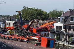 Cel puţin 20 de răniţi în Olanda, după ce două macarale s-au prăbuşit pe clădiri rezidenţiale