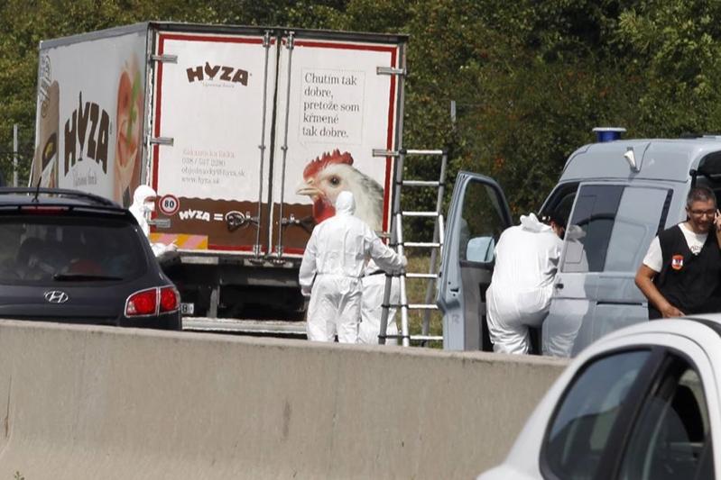 Au fost făcute publice rezultatele autopsiilor refugiaţilor decedaţi în camionul din Austria. Care a fost cauza morţii