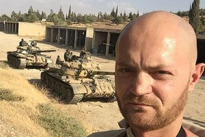 """Cum arată """"bârlogul"""" soldaţilor lui Vladimir Putin din Siria, de unde decolează avioanele de vânătoare care bombardează ISIS"""