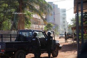 Doi suspecţi, arestaţi de autorităţi, în cazul luării de ostatici din Mali