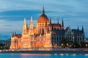 Doi bărbaţi care voiau să ''execute'' un membru al Guvernului maghiar, reţinuţi