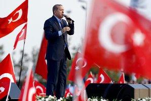 Proteste împotriva Administraţiei Erdogan în Turcia, după arestarea unor jurnalişti de opoziţie