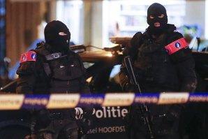 Un al şaselea suspect, inculpat în Belgia pentru implicare în atentatele de la Paris